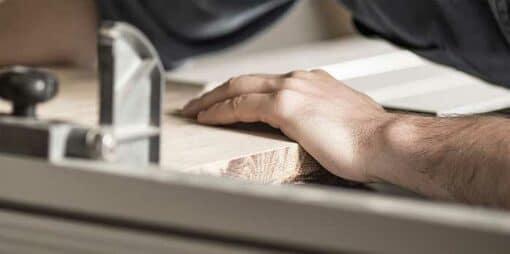 Schreiner Jobs mit Aufstiegsmöglichkeiten – Gesucht Schreiner/-in als Monteur/-in
